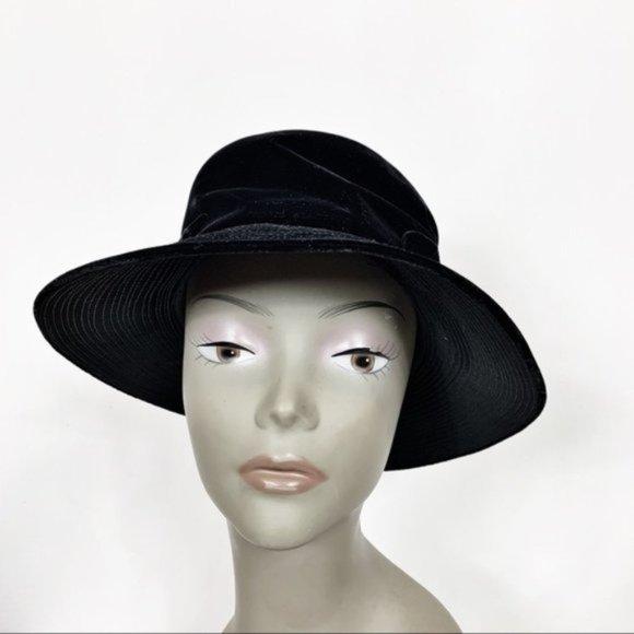 3 FOR $30 Vintage Black Velvet Slouchy Bow Hat